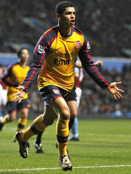 Arsenal-08-09-NIKE-yellow-navy-yellow2.JPG