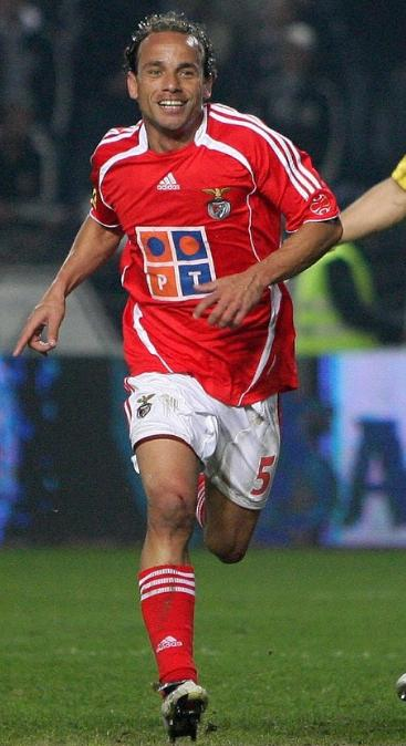 Benfica-06-07-adidas-home-red-white-red.JPG