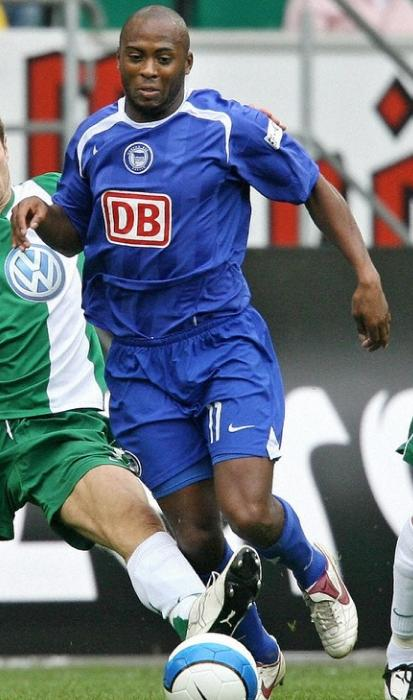 Hertha Berlin-06-07-NIKE-away-blue-blue-blue.JPG