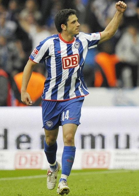 Hertha Berlin-08-09-NIKE-home-stripe-blue-blue.JPG