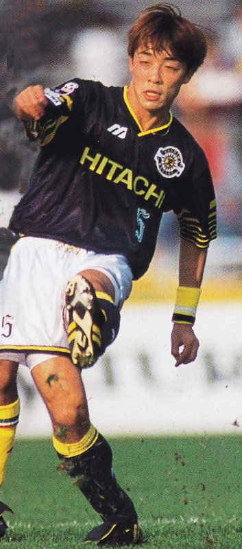 Kashiwa-Reysol-95-96-league-away-kit-navy-white-navy.jpg