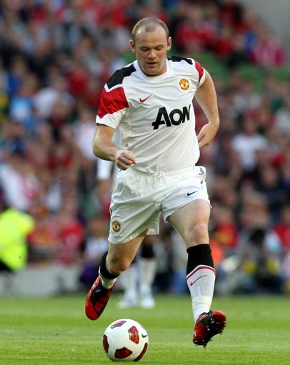 Manchester United-10-11-NIKE-away-kit-white-white-white.JPG