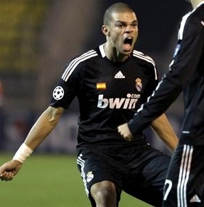REAL MADRID-08-09-adidas-3rd-black-black-black.JPG