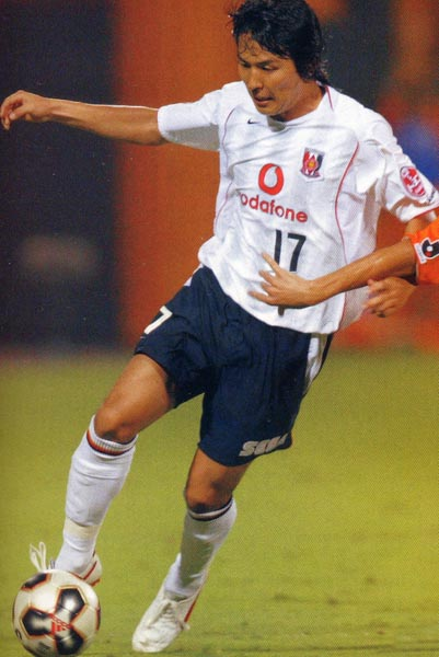 REDS-05-06-NIKE-away-white-navy-white.JPG